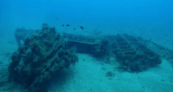 Le rovine di un antico porto romano