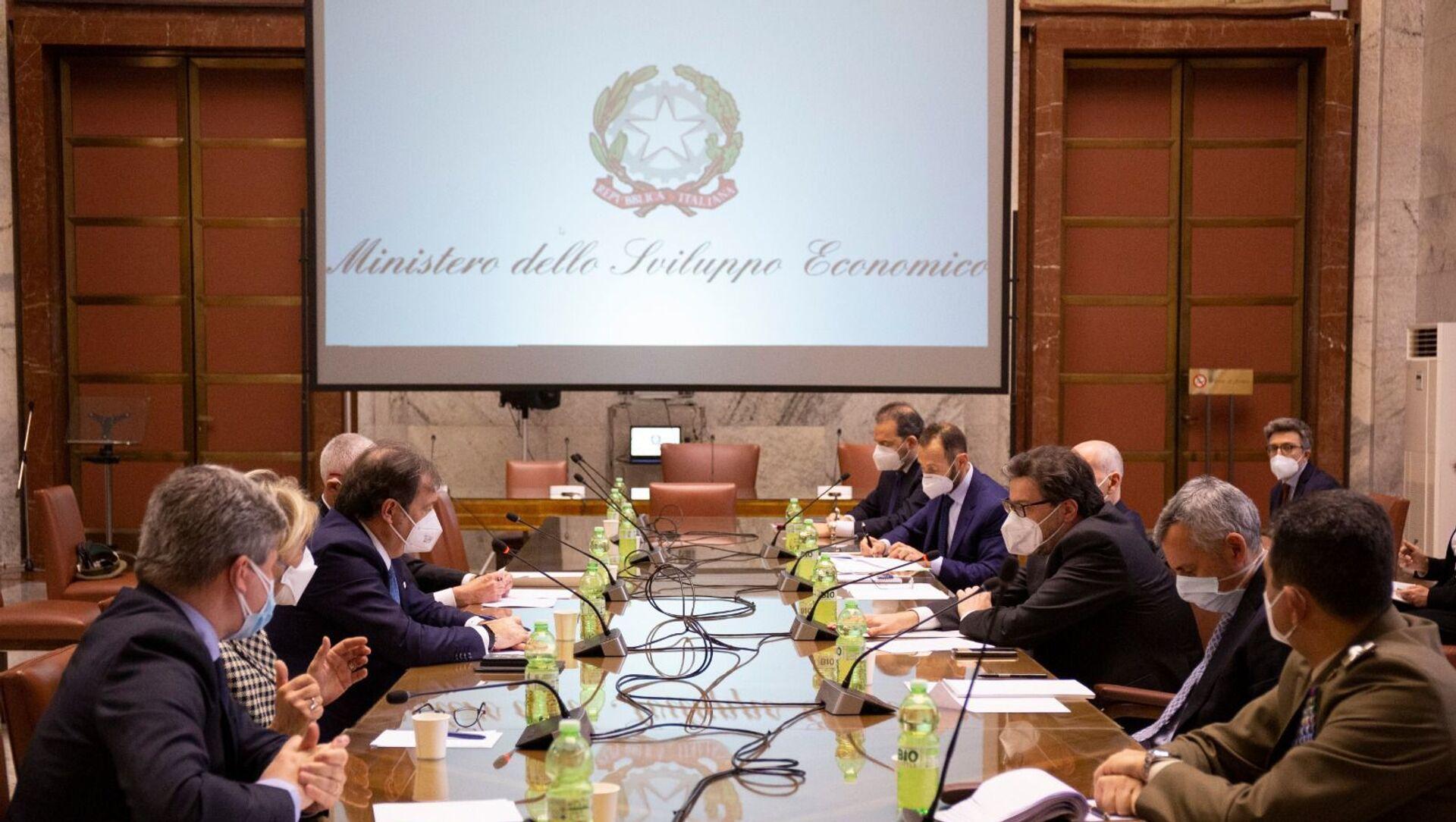 Il Ministro Giorgetti ha incontrato Farmindustria e Aifa, insieme al Commissario Figliuolo e al Sottosegretario Gabrielli - Sputnik Italia, 1920, 05.03.2021