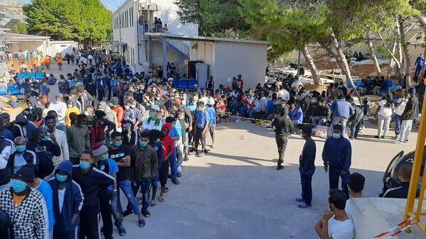 Il centro di accoglienza di Lampedusa - Sputnik Italia