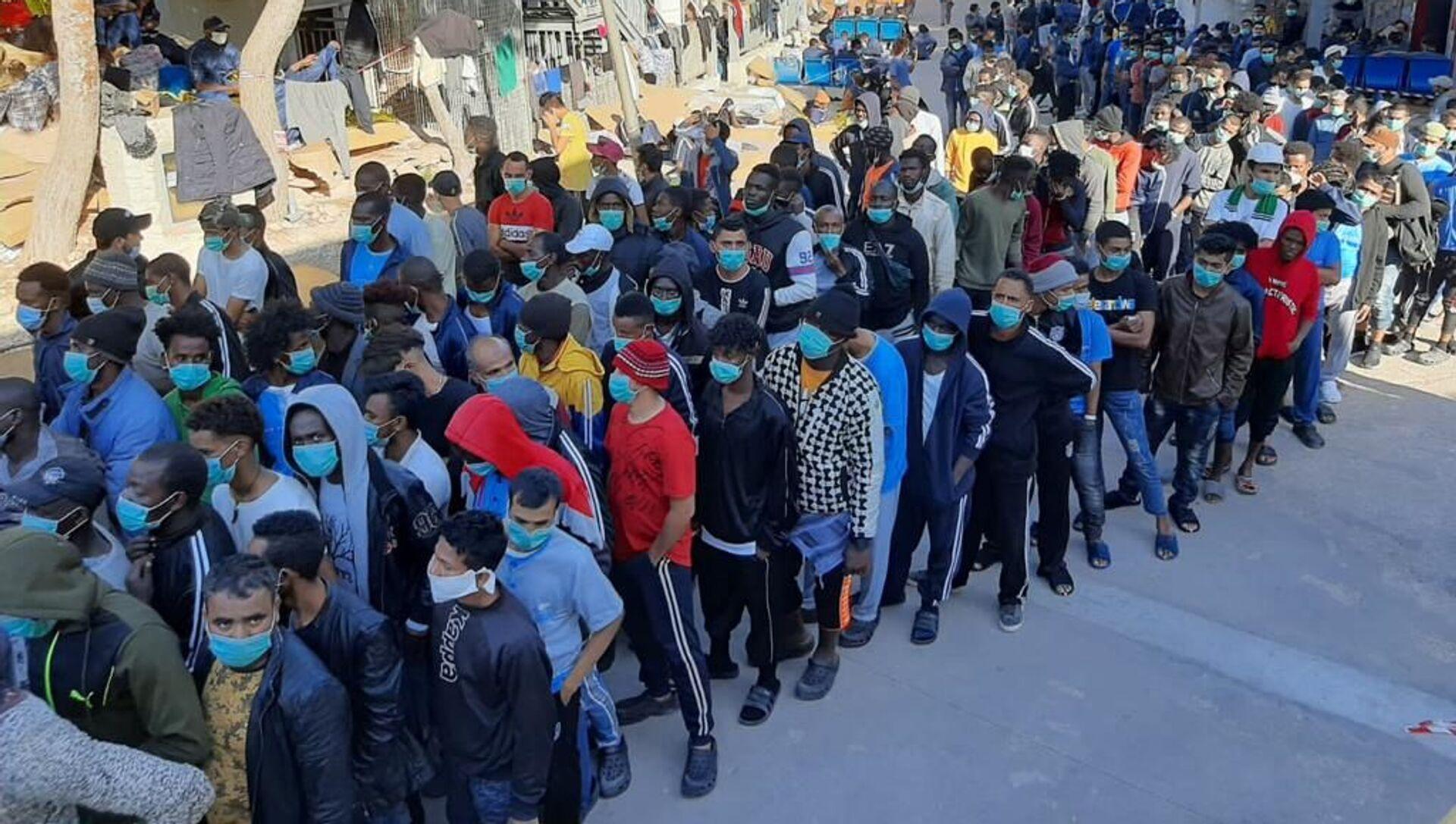 Migranti nel centro di accoglienza di Lampedusa - Sputnik Italia, 1920, 09.05.2021