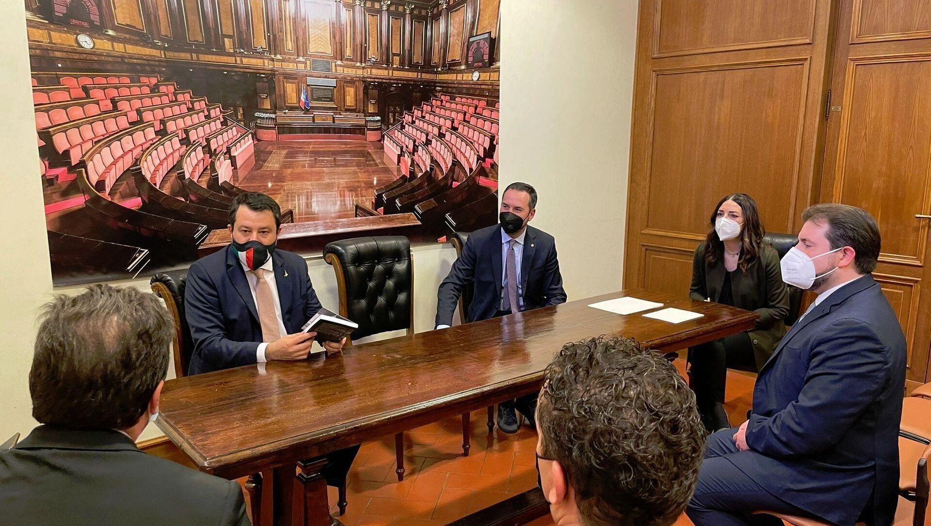 A Roma Matteo Salvini con il segretario di Stato Teodoro Lonfernini (ministro del lavoro) e la delegazione di San Marino - Sputnik Italia, 1920, 03.03.2021