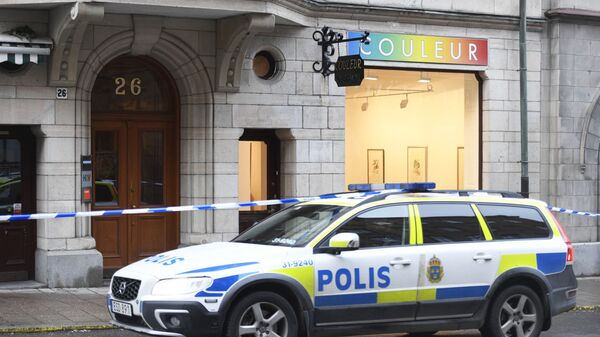 Macchina della polizia in Svezia - Sputnik Italia