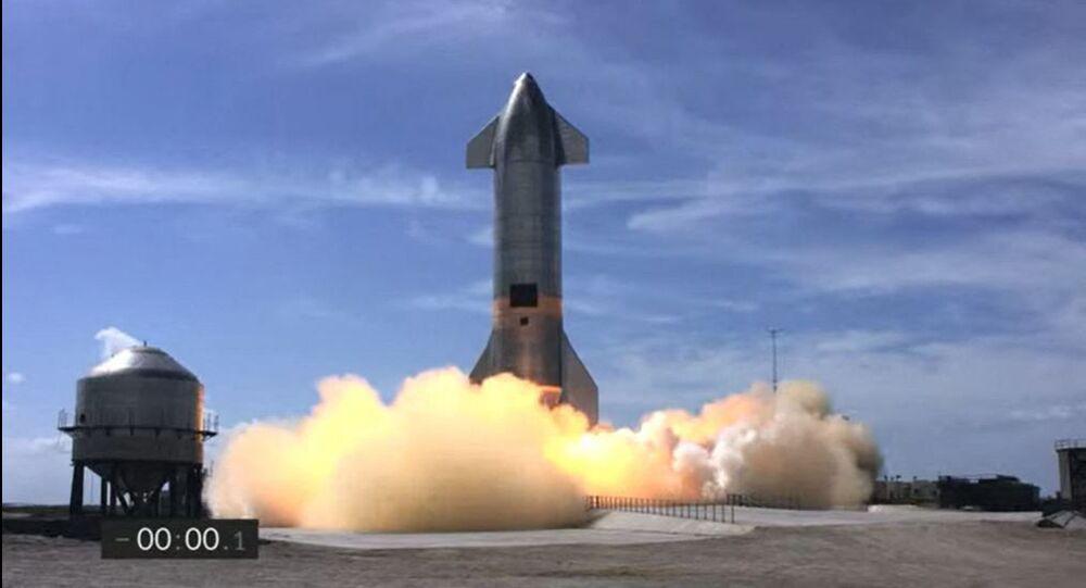 Space X, Starship improvvisamente esplode dopo il primo atterraggio corretto - Video