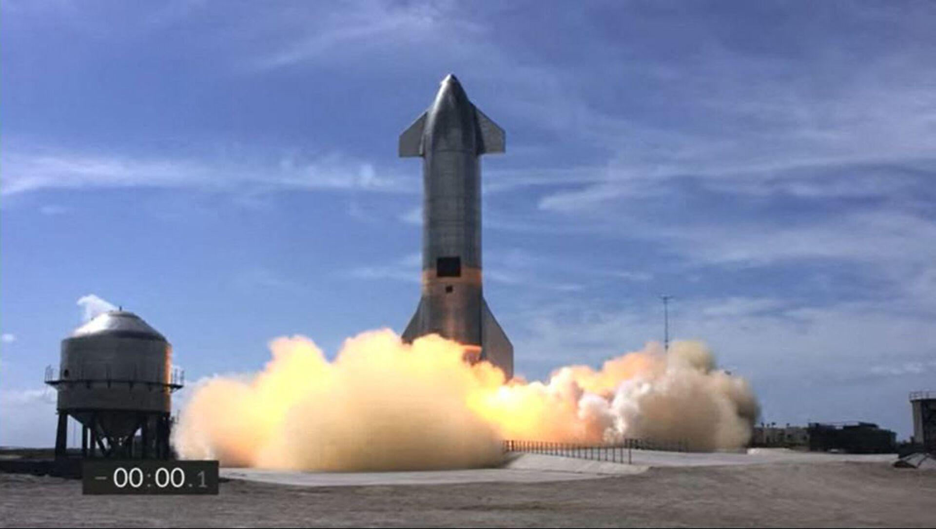 Space X, Starship improvvisamente esplode dopo il primo atterraggio corretto - Video - Sputnik Italia, 1920, 04.03.2021