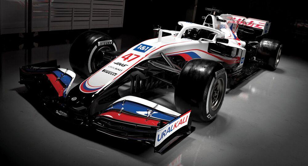 Nuova Haas col tricolore russo