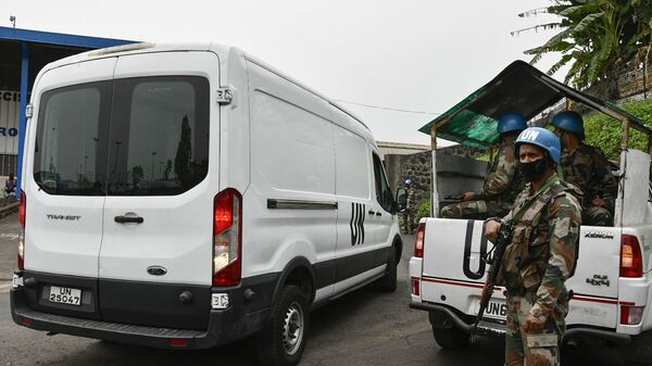 Furgone con la salma dell'Ambasciatore italiano in Congo Luca Attanasio all'aeroporto di Kinshasa - Sputnik Italia