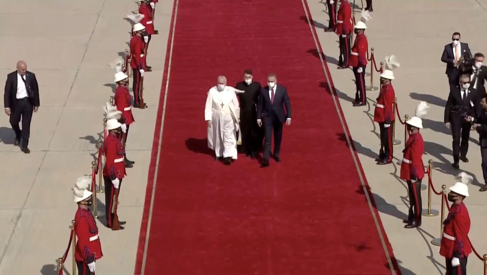 Il Papa Francesco arriva a Baghdad nella prima visita internazionale durante la crisi pandemica - Sputnik Italia, 1920, 06.03.2021