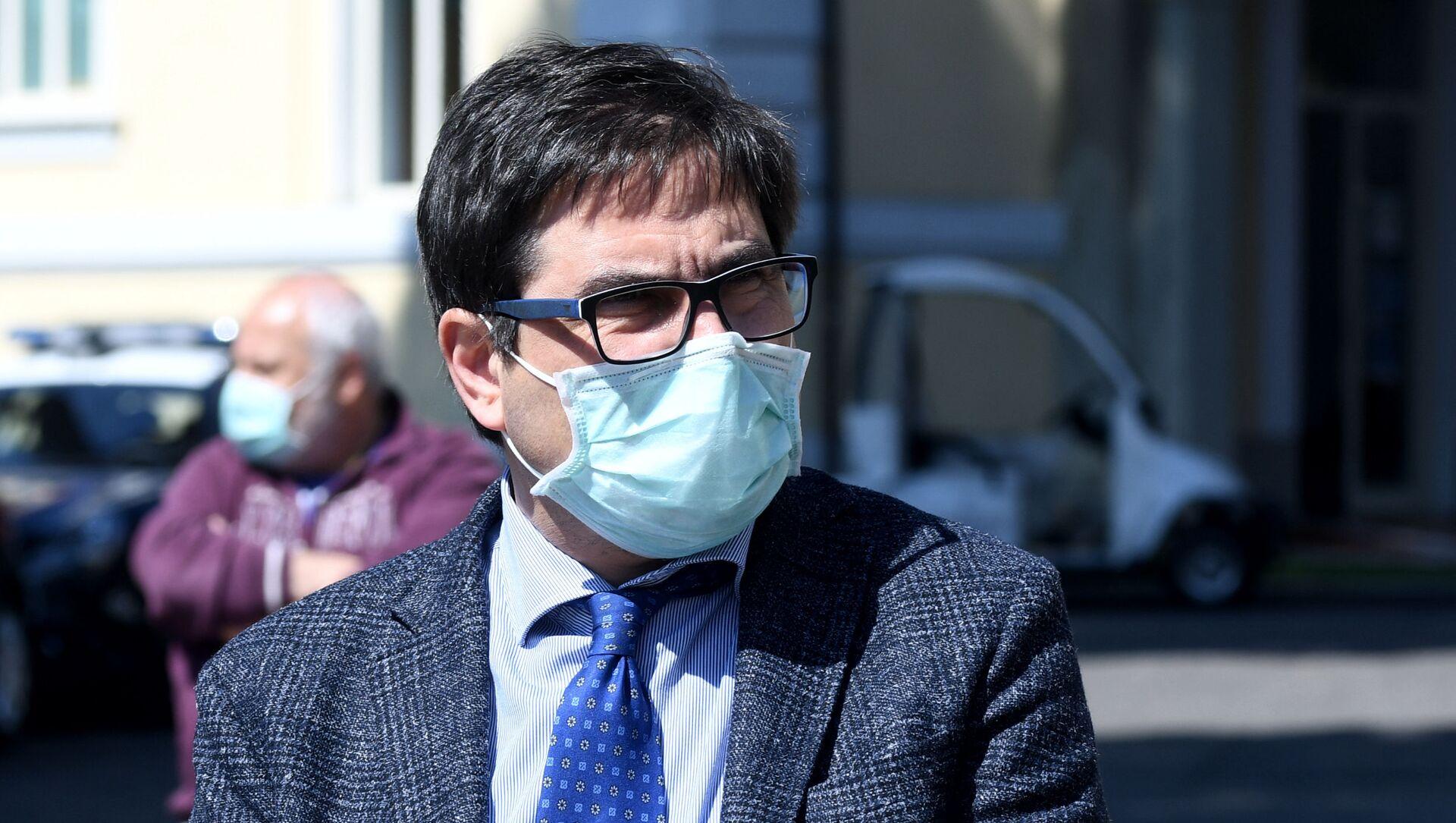 Nella foto l'assessore alla sanità della Regione Lazio Alessio D'Amato dopo la visita allo Spallanzani - Sputnik Italia, 1920, 05.03.2021