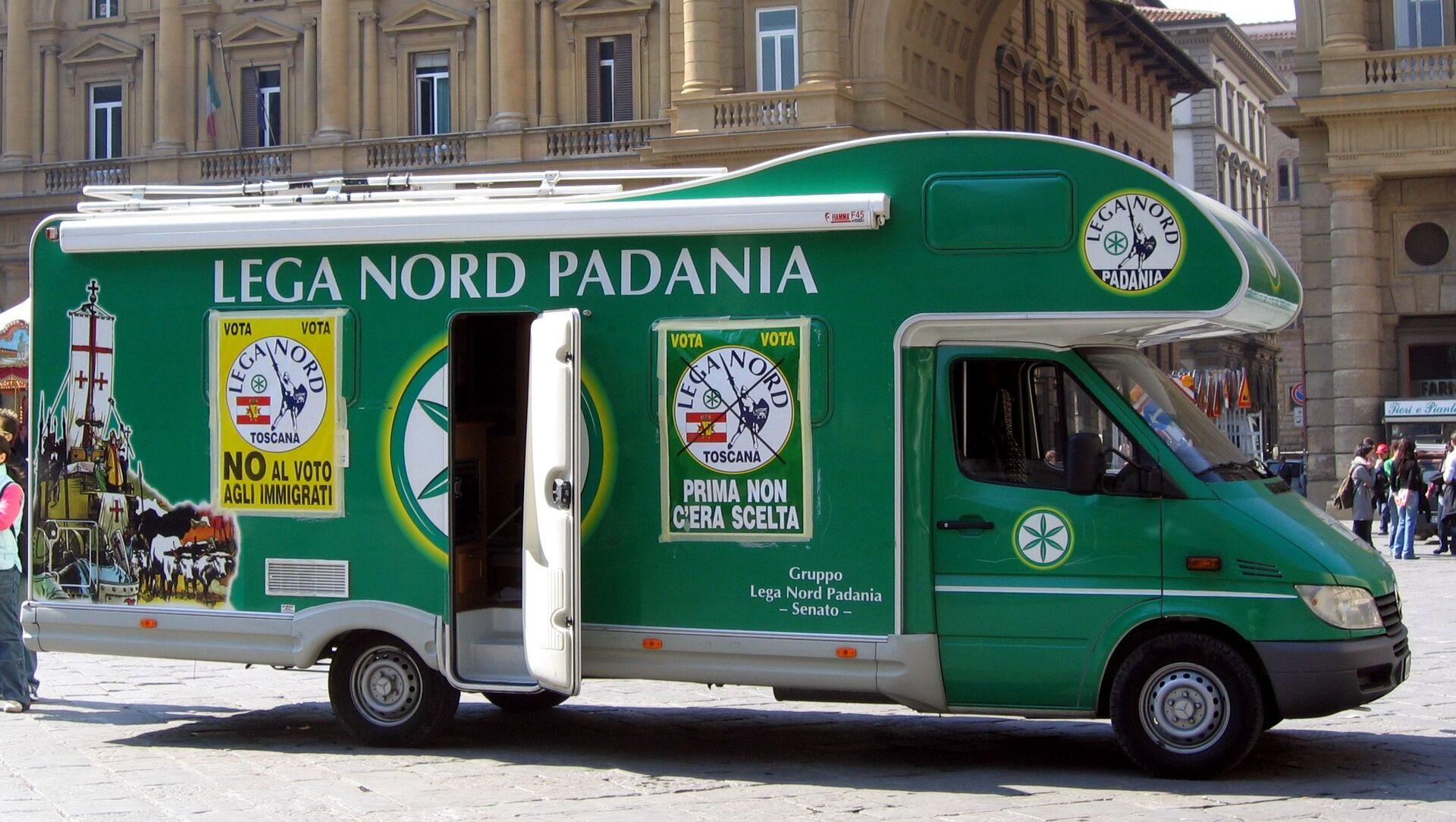 Un autobus del partito Lega Nord - Sputnik Italia, 1920, 21.03.2021