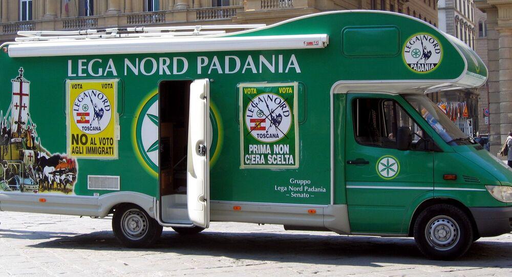 Un autobus del partito Lega Nord