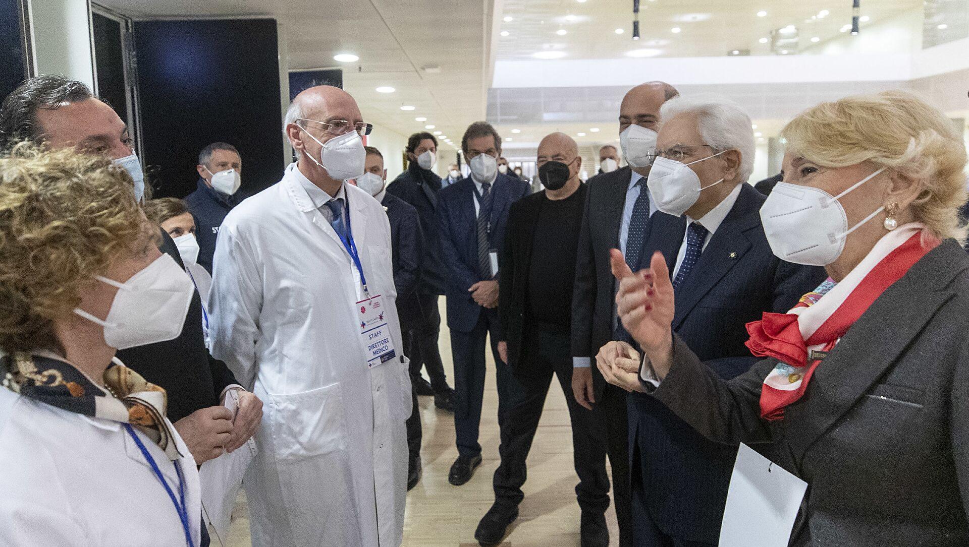 Mattarella in visita al centro vaccinale allestito alla Nuvola di Fuksas - Sputnik Italia, 1920, 06.03.2021