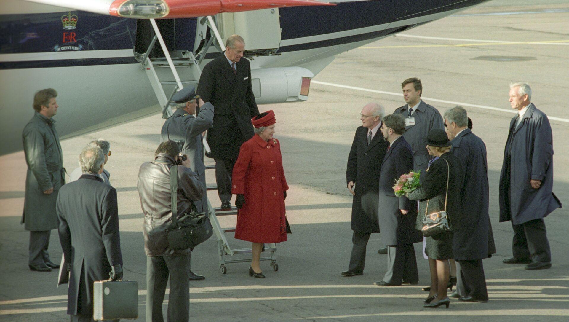 La regina Elisabetta dice addio alla sua flotta aerea: dovrà condividere il jet con Boris Johnson - Sputnik Italia, 1920, 06.03.2021