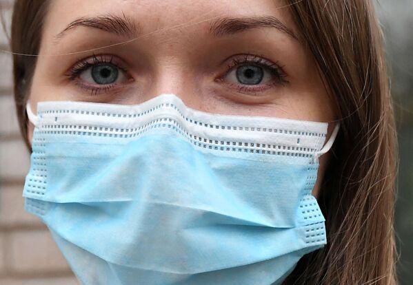 Un'infermiera del temporaneo ospedale per le Malattie Infettive a Krasnoyarsk, Russia.  - Sputnik Italia
