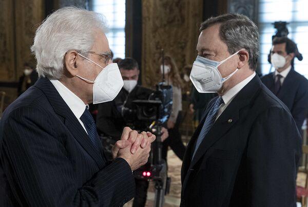 Il presidente della Repubblica Sergio Mattarella e Il Primo ministro Mario Draghi - Sputnik Italia