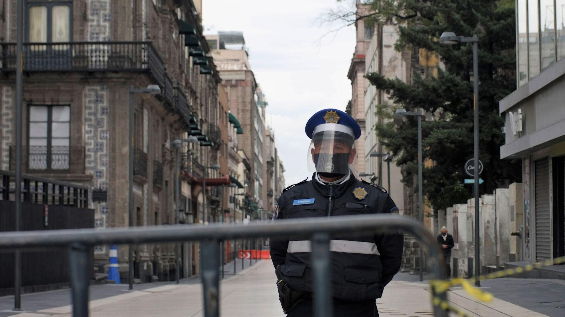 Un poliziotto in Messico - Sputnik Italia, 1920, 18.05.2021