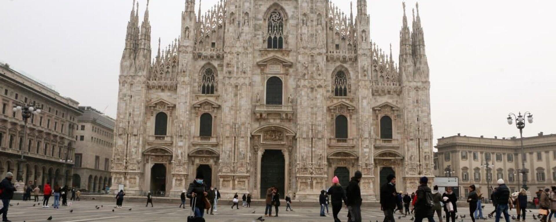 Piazza del Duomo a Milano, Italia - Sputnik Italia, 1920, 15.05.2021
