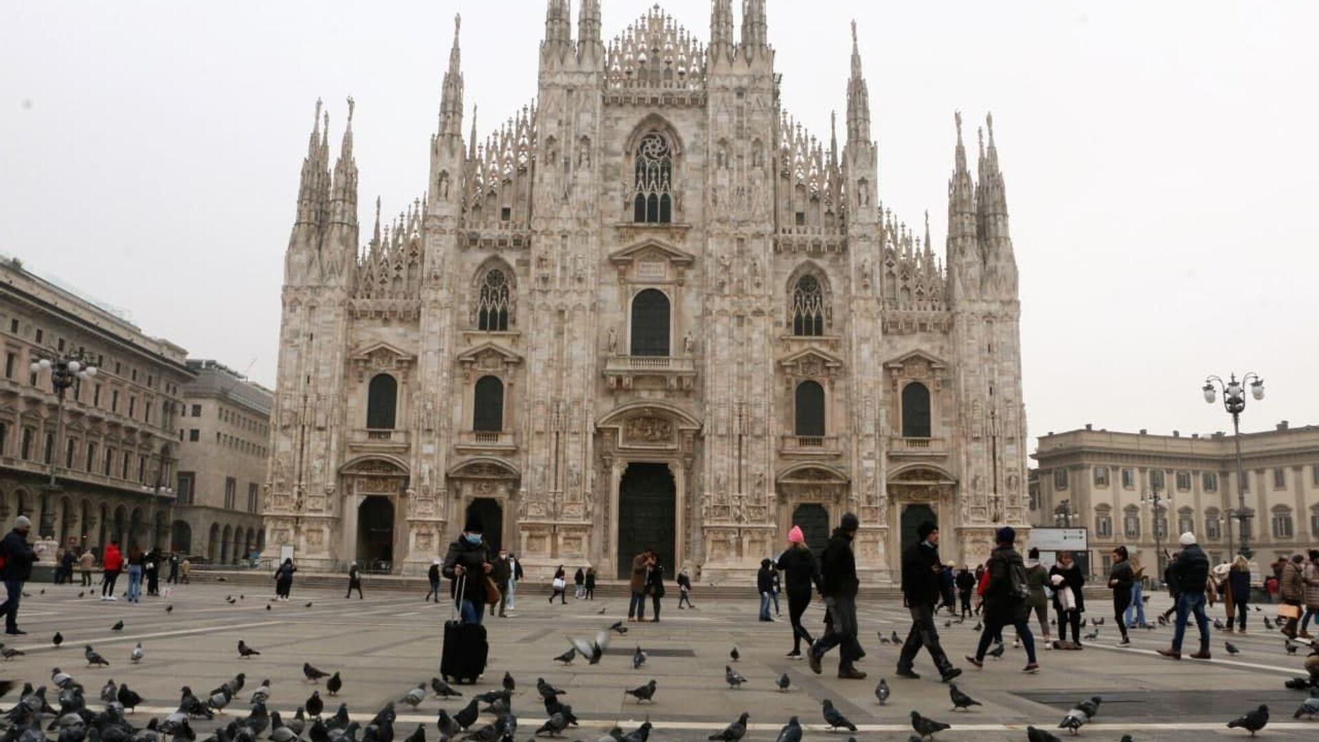 Piazza del Duomo a Milano, Italia - Sputnik Italia, 1920, 26.04.2021
