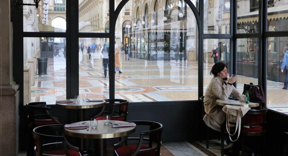 Un bar a Milano, Italia