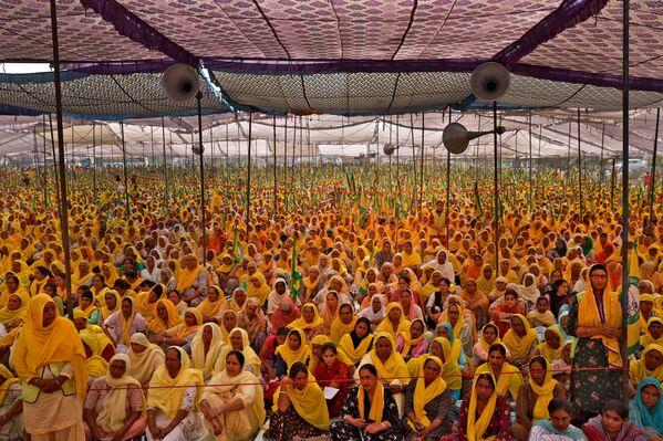 Donne contadine protestano in India nella Giornata internazionale della donna - Sputnik Italia