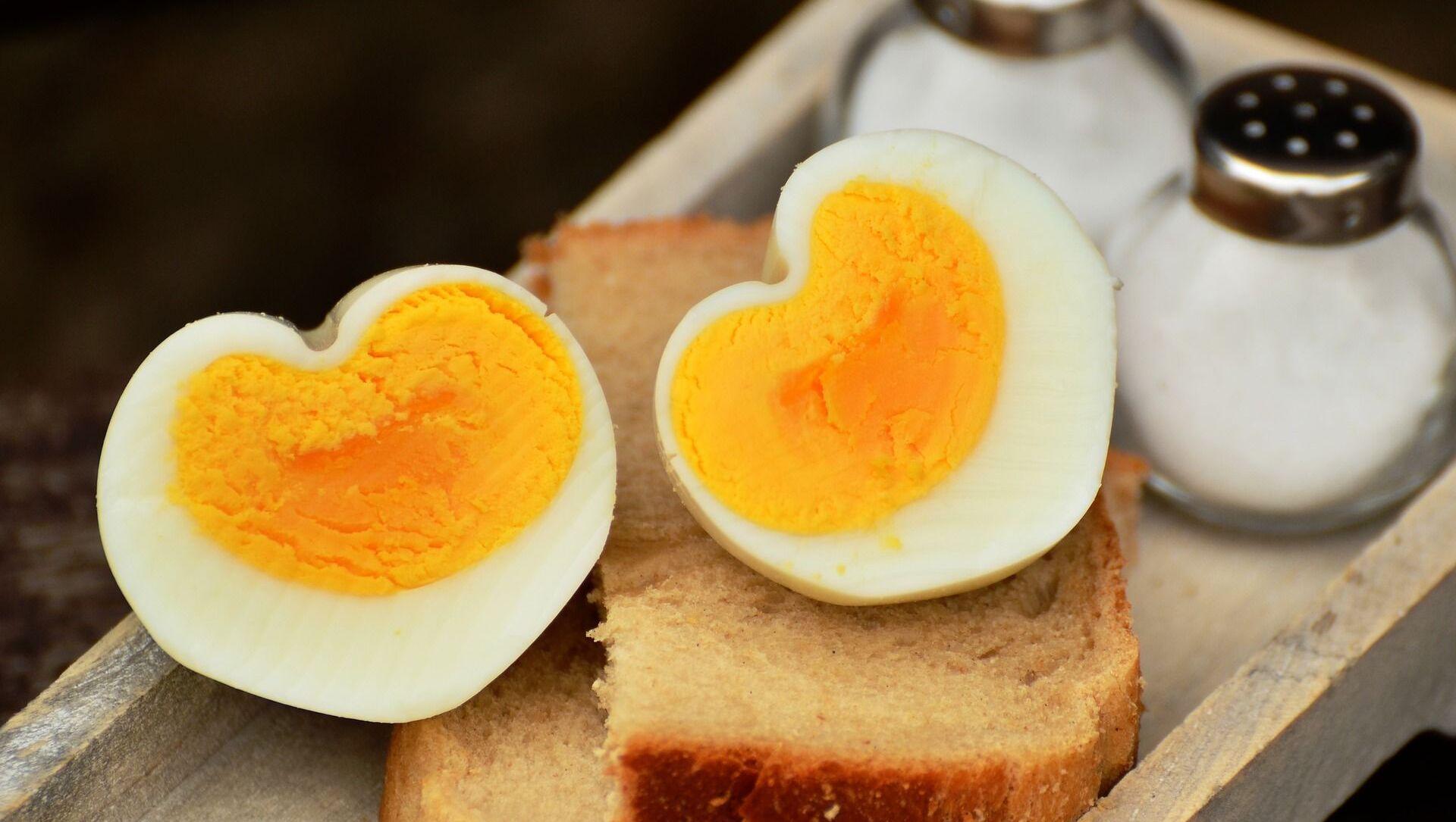 Вареное яйцо на хлебе - Sputnik Italia, 1920, 12.03.2021