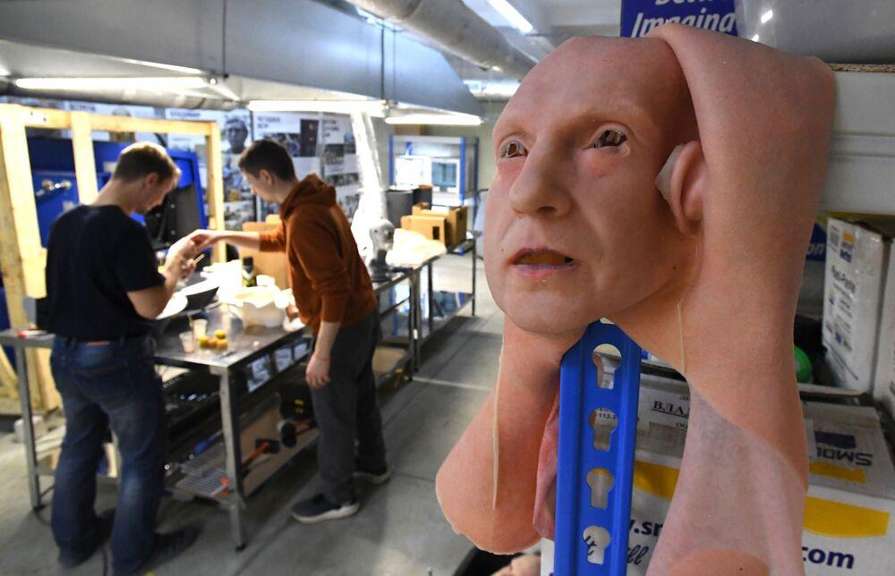 Un campione sperimentale nel laboratorio per lo sviluppo della pelle artificiale a Vladivostok