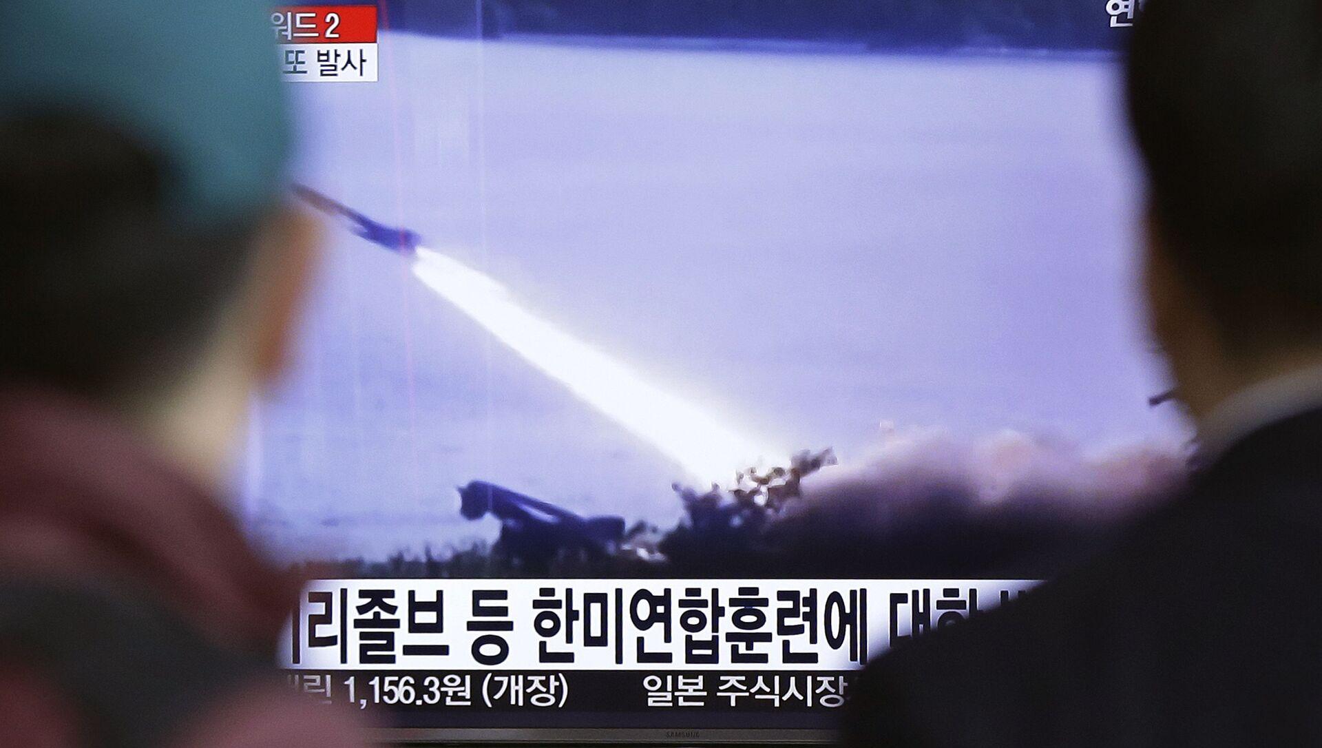Un servizio tv sui lanci dei missili nordcoreani nella Corea del Sud - Sputnik Italia, 1920, 16.03.2021