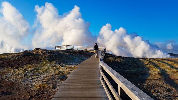 Un turista in Islanda - Sputnik Italia