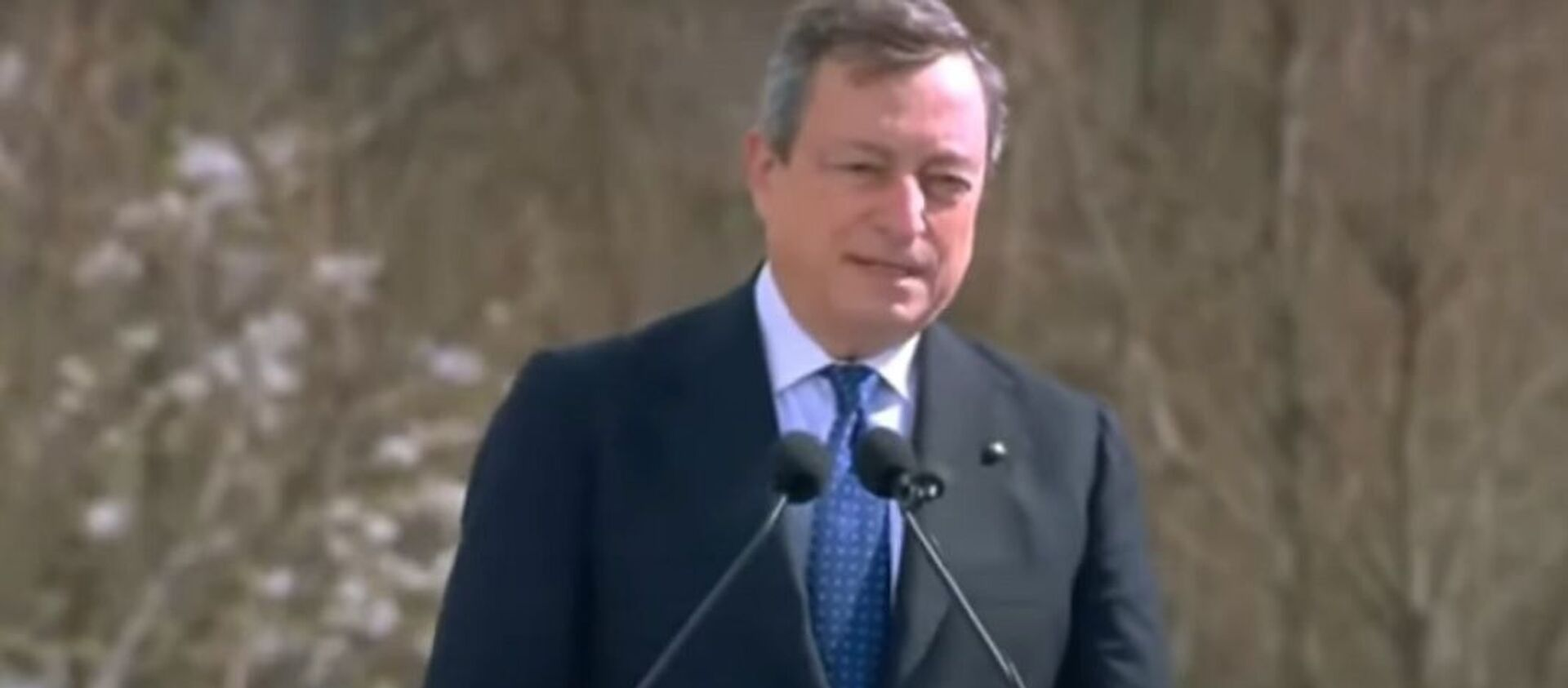 Mario Draghi è a Bergamo in occasione della Giornata nazionale in memoria delle vittime dell'epidemia di Coronavirus - Sputnik Italia, 1920, 18.03.2021