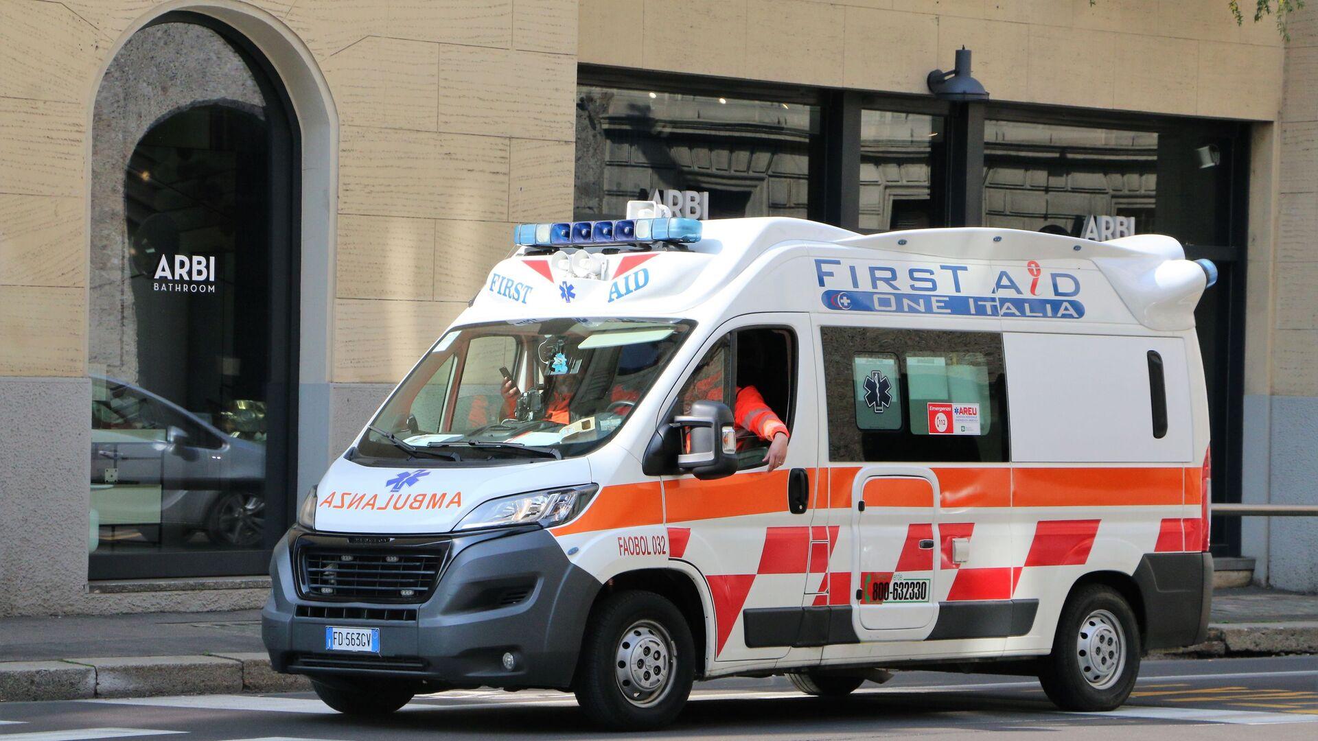 Ambulanza a Milano - Sputnik Italia, 1920, 08.05.2021