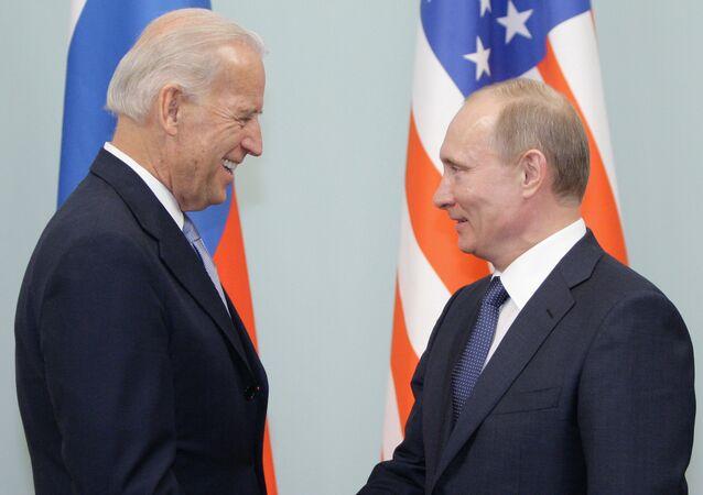 Biden e Putin (foto d'archivio)