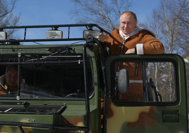 Riposo di Putin e ministro Difesa Shoigu in Siberia