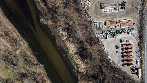Il fiume Cuyahoga ad Akron, Ohio, USA, che ha preso fuoco nel 1969 a causa dell'inquinamento - Sputnik Italia
