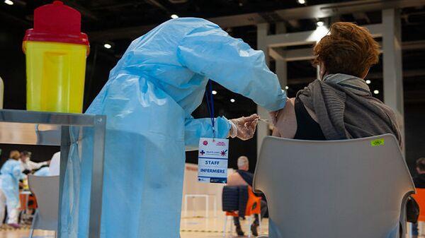 Centro vaccini anti Covid-19 all'interno della Nuvola, il Centro congressi dell'Eur di Roma - Sputnik Italia