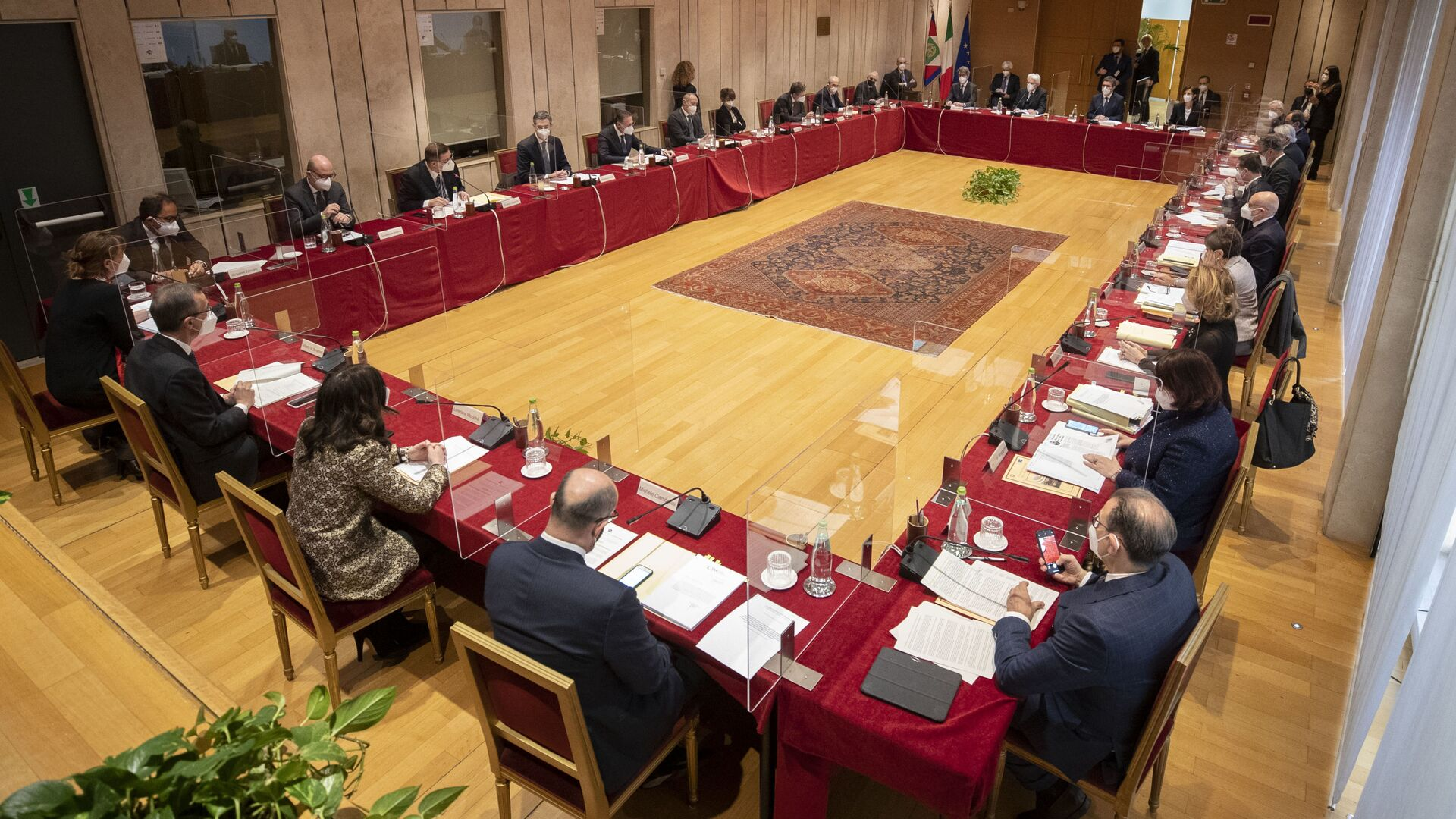 Il Presidente della Repubblica Sergio Mattarella presiede l'Assemblea plenaria del Consiglio Superiore della Magistratura - Sputnik Italia, 1920, 17.07.2021