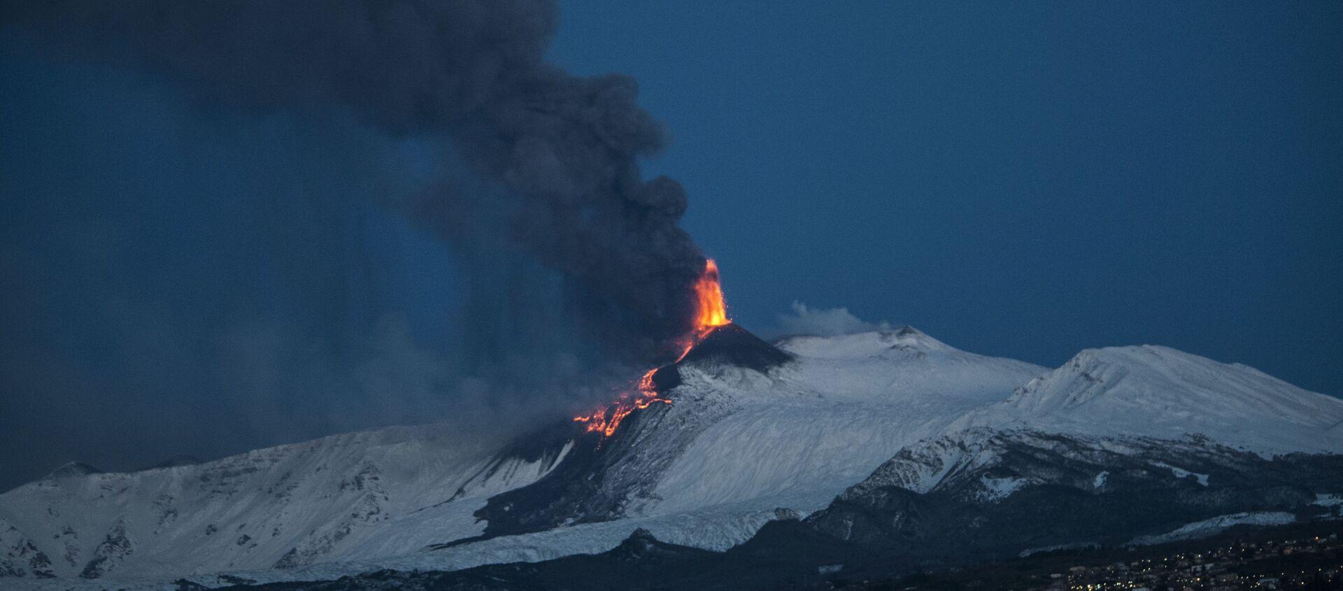 Etna eruzione 24 marzo 2021 - alba - Sputnik Italia, 1920, 24.03.2021