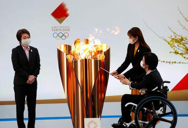 Il presidente del Comitato Organizzatore dei Giochi Olimpici Seiko Hashimoto durante l'avvio della staffetta della torcia a Fukushima - Sputnik Italia