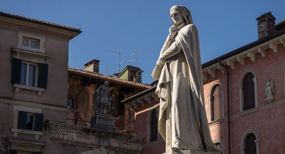 La statua di Dante a Piazza dei Signori, Verona