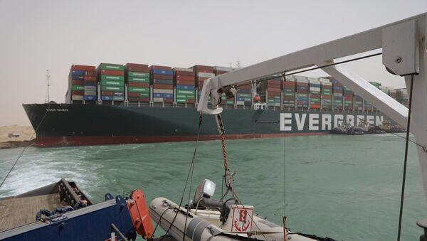 La nave cargo Ever Given arenata sul Canale di Suez - Sputnik Italia