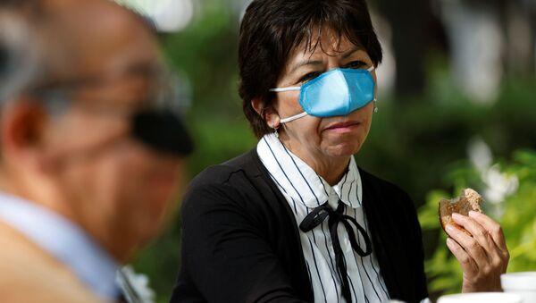 Una mascherina nasale - Sputnik Italia