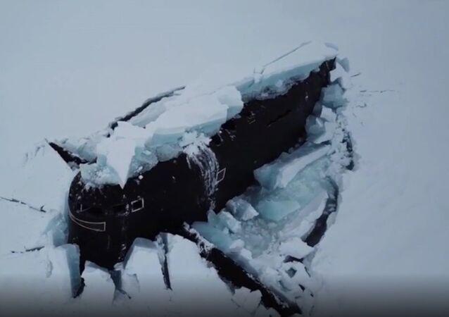 Sottomarini russi nell'Artico