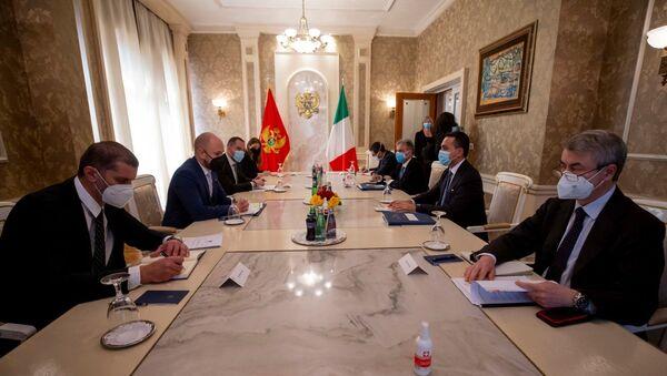 Di Maio incontra il Ministro degli Esteri del Montenegro, Djordje Radulovic. - Sputnik Italia
