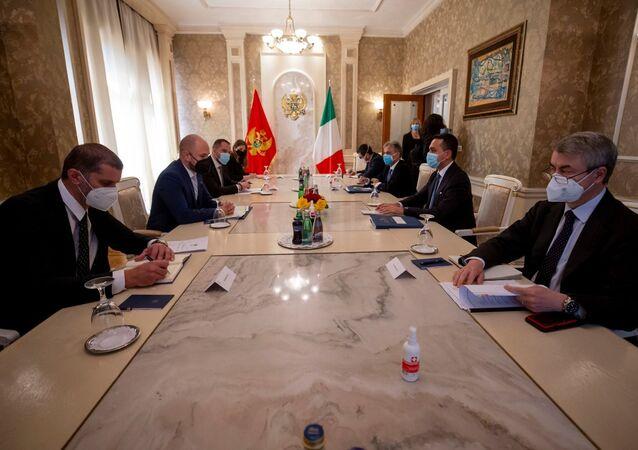 Di Maio incontra il Ministro degli Esteri del Montenegro, Djordje Radulovic.
