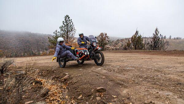 Новый российский мотоцикл с коляской Ural Gear Up GEO производства Ирбитского мотоциклетного завода - Sputnik Italia