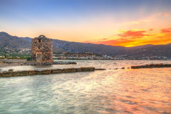Vecchia rovina del mulino a vento alla baia di Mirabello, Creta - Sputnik Italia