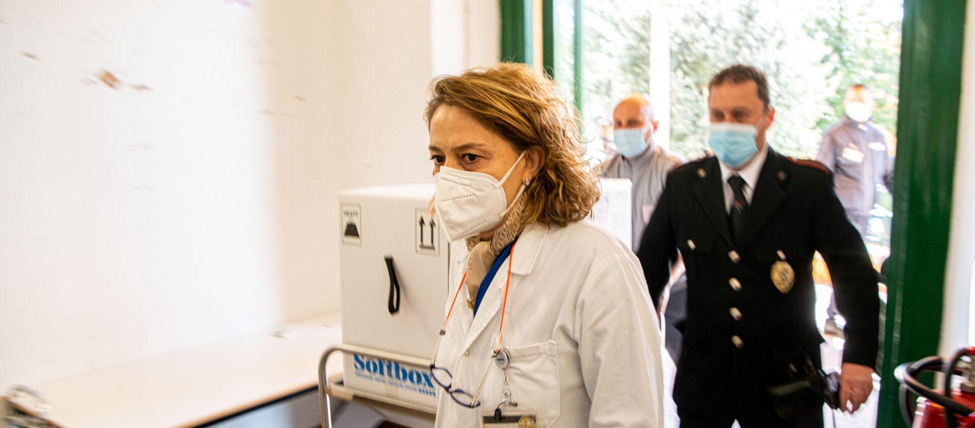 Consegna Vaccini Pfizer all'Ospedale Santa Maria della Pietà a Roma - Sputnik Italia, 1920, 14.04.2021