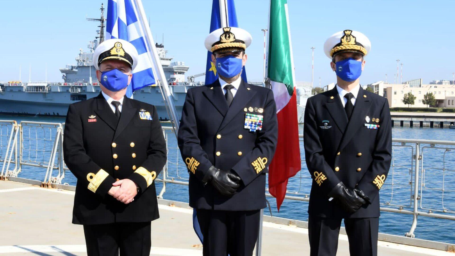 Ammiraglio Fabio Agostini all'insediamento del nuovo Force Commander dell'Operazione EUNAVFOR MED IRINI, il Contrammiraglio della Marina Militare italiana, Stefano Frumento - Sputnik Italia, 1920, 01.04.2021