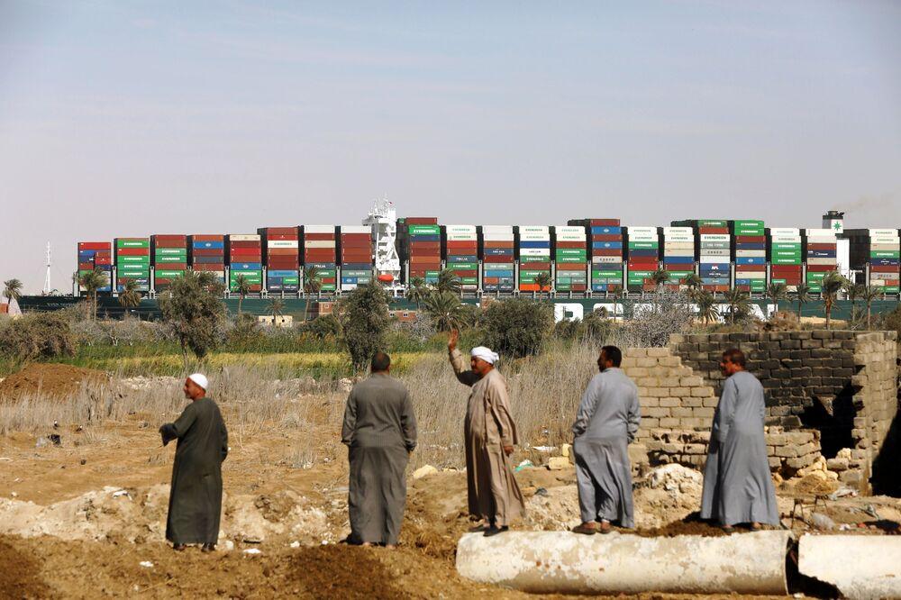 Nave portacontainer Ever Given, liberata nel Canale di Suez