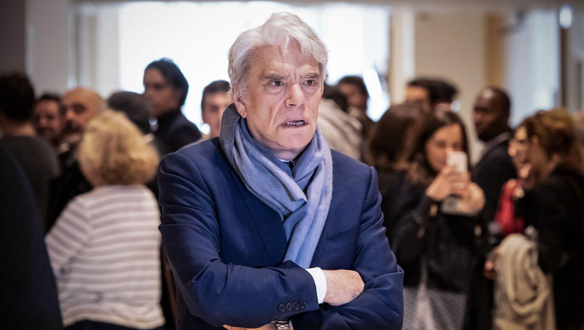 L'uomo d'affari francese Bernard Tapie, 4 aprile 2019, durante la sospensione del suo processo per aver aver defraudato lo stato francese in seguito a un risarcimento legato a una battaglia legale del 2008 - Sputnik Italia, 1920, 04.04.2021