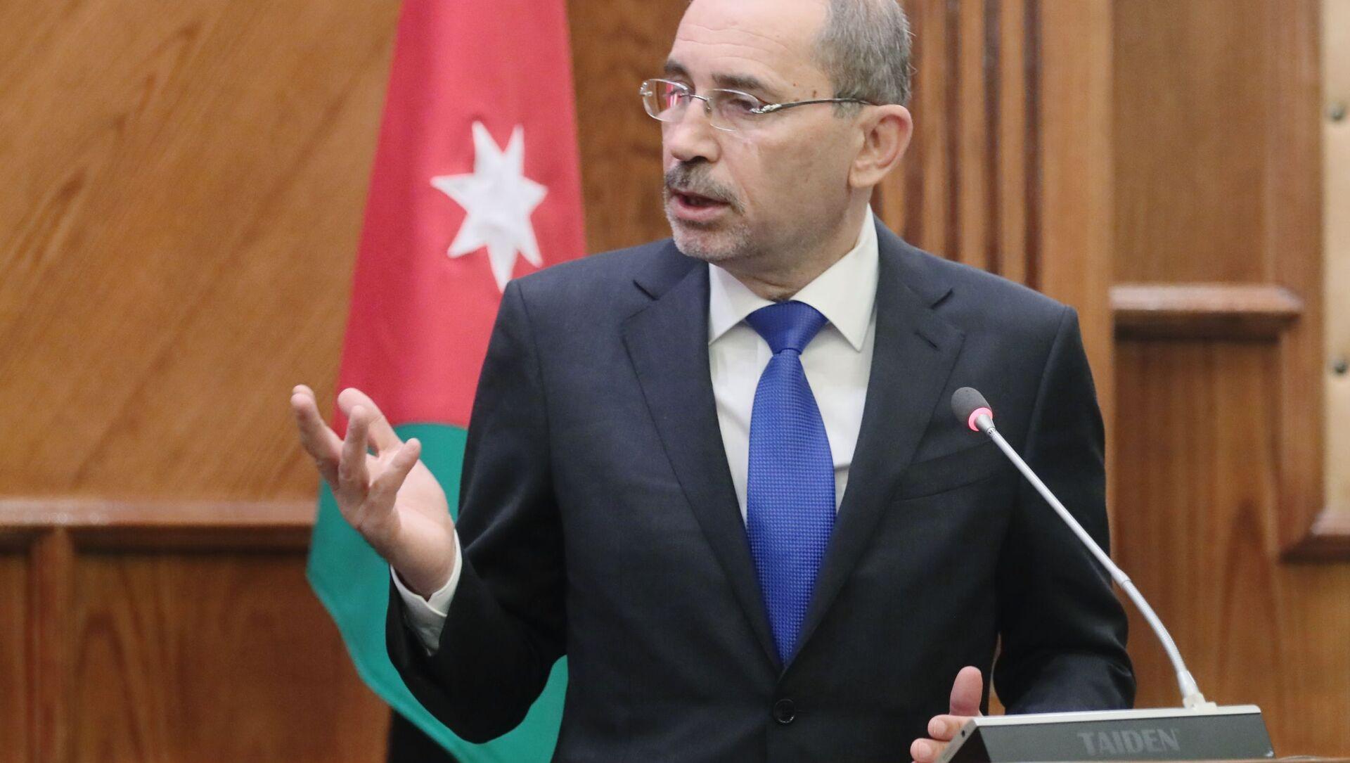 Министр иностранных дел Иордании Айман ас-Сафади - Sputnik Italia, 1920, 04.04.2021