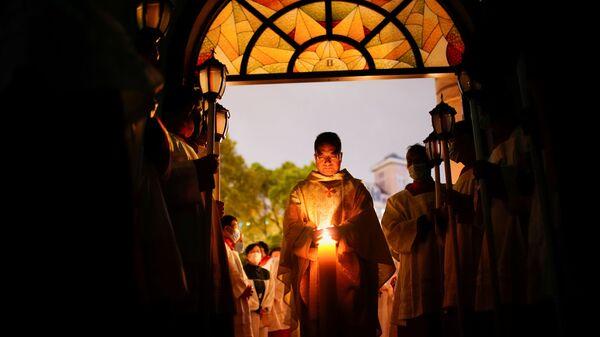 Китайские католики во время пасхального богослужения в Шанхае  - Sputnik Italia